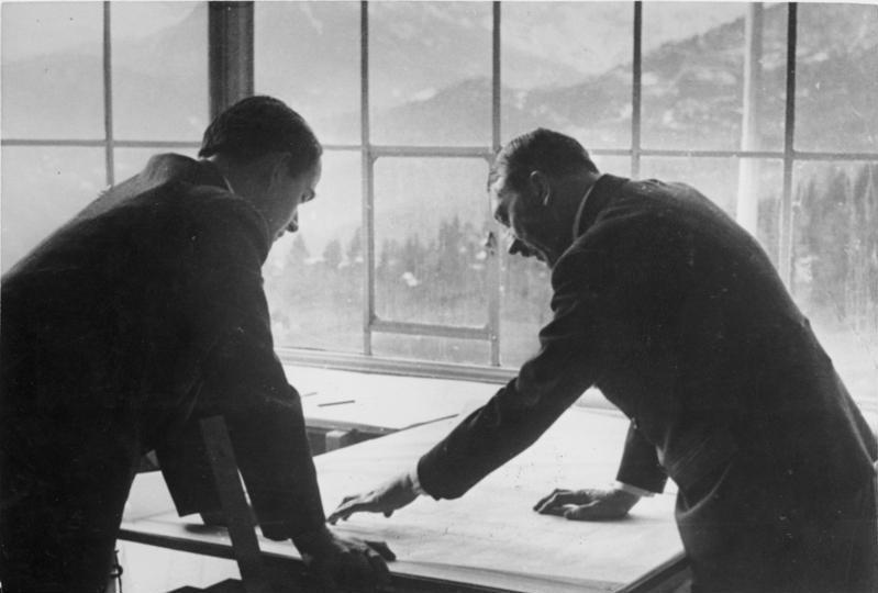 Albert Speer et Adolf Hitler au Berghof en 1938.