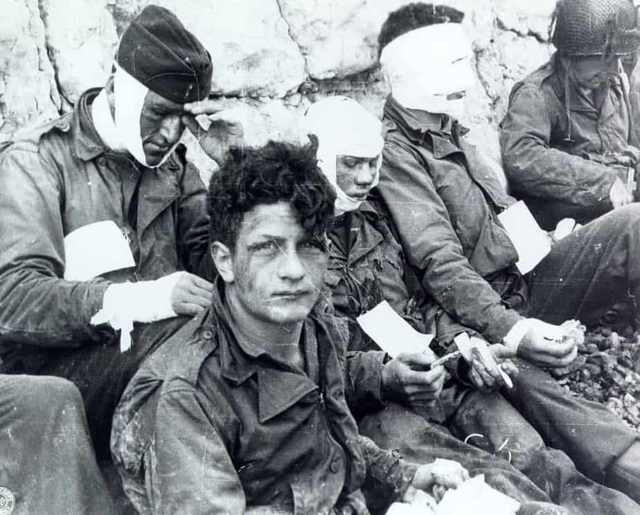 Troupes d'assaut américaines du 3e bataillon du 16e régiment d'infanterie, 1re division d'infanterie américaine, qui ont pris d'assaut Omaha Beach. Colleville-sur-Mer, Normandie, France, 6 juin 1944.