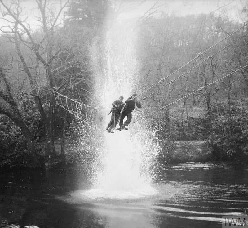 Entrainement des soldats des commandos en écosse. Janvier 1943 © IWM.